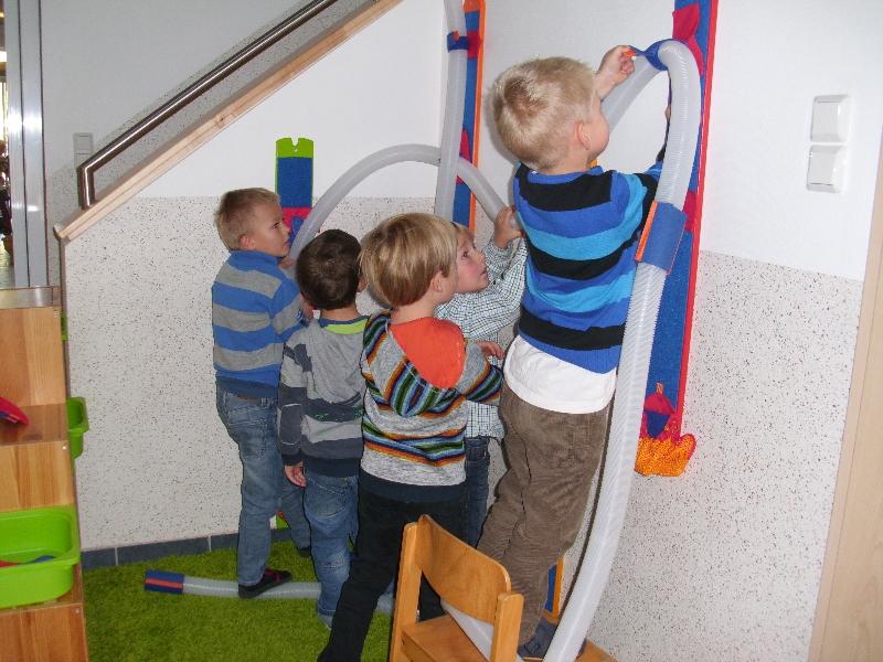 neues spielzeug f r den kindergarten st viktor. Black Bedroom Furniture Sets. Home Design Ideas