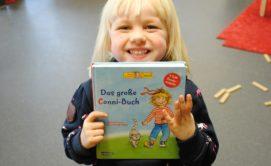 3.200€ erhielten die Dammer Kindergärten für neue Bücher